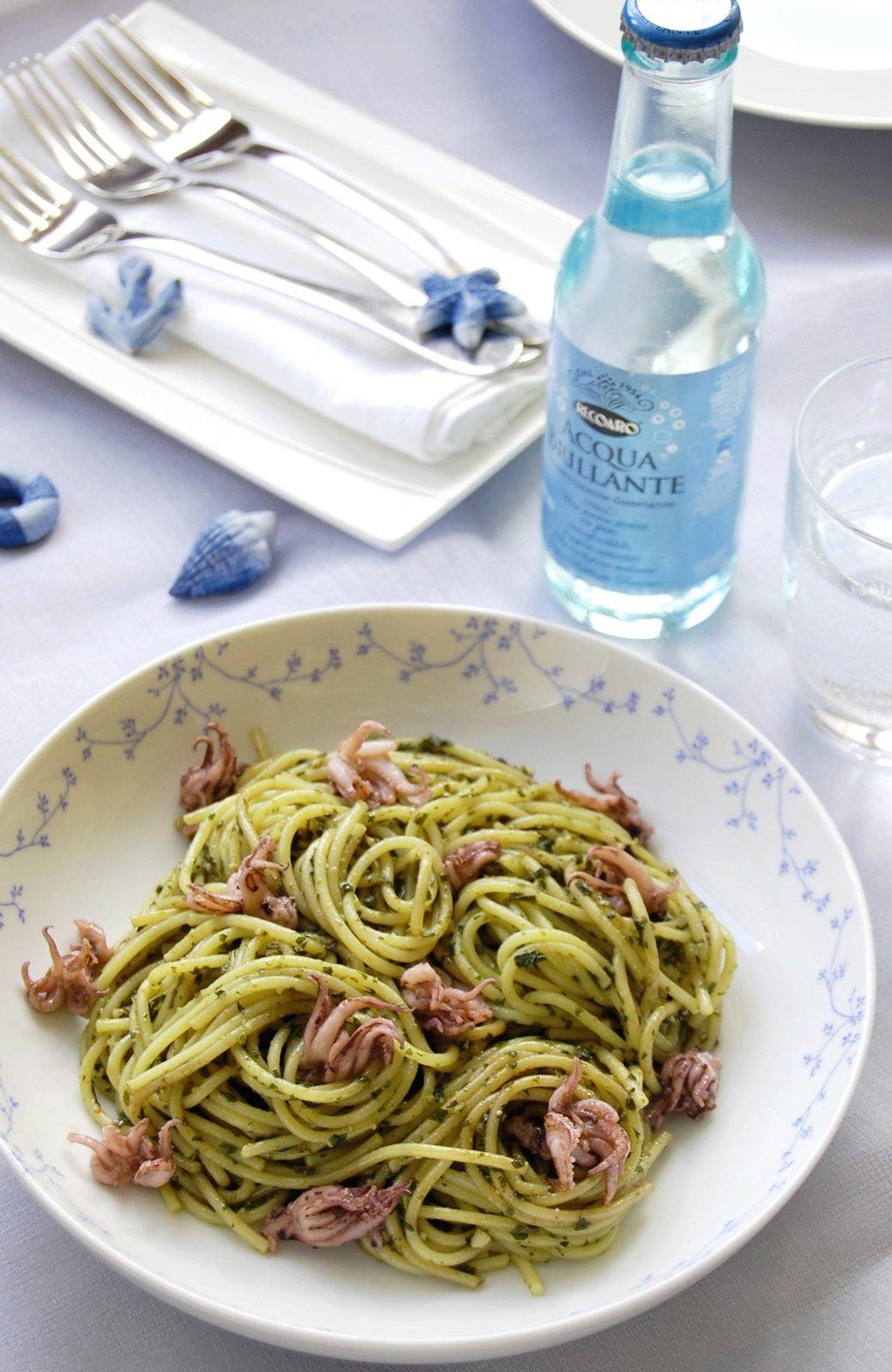 pestoskalmaros-spagetti