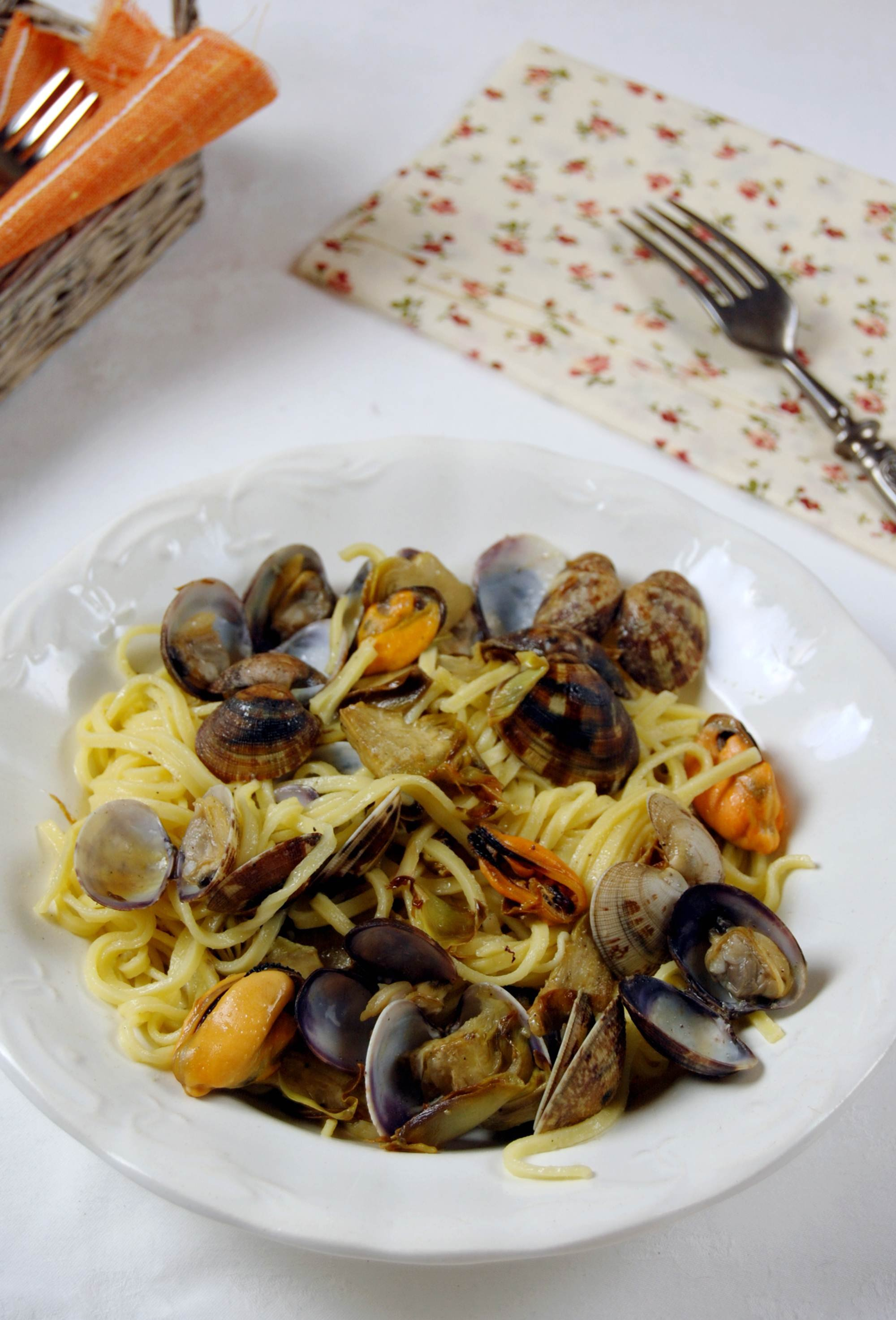 linguine cozze vongole carciofi